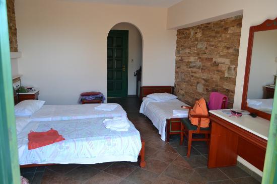 Hotel Kavuras Village: la camera tre letti