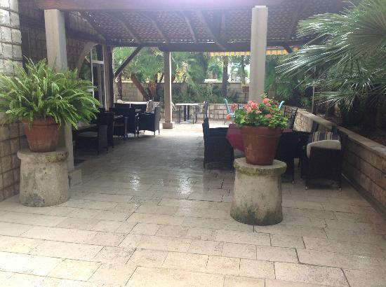 Villa Mediterane : Overdekte eetplaats