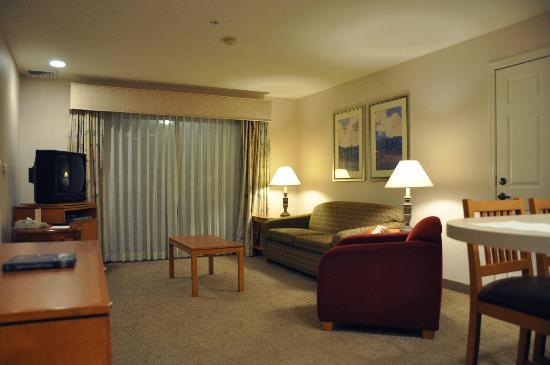 HYATT house San Diego/Sorrento Mesa: Living room part of the suite