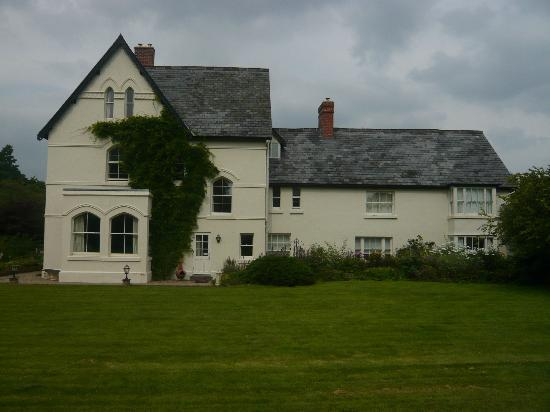 The Forest Country House B&B and Cottages : rear view of house