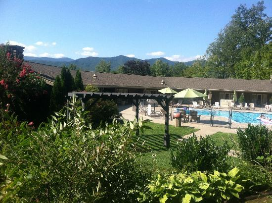 Fontana Village Resort: This was taken from our patio outside our room. Great view and so convenient to the pool!