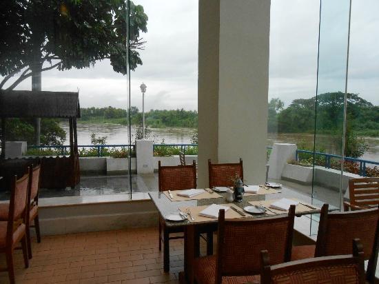 ดุสิต ไอส์แลนด์ รีสอร์ท เชียงราย: la vista dai tavoli del ristorante
