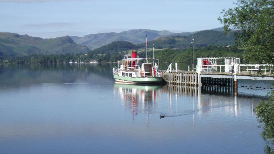 Ullswater Steamers: Steamer at the pier in Pooley Bridge