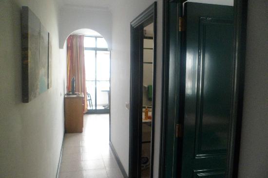La Tegala Apartments: hall way