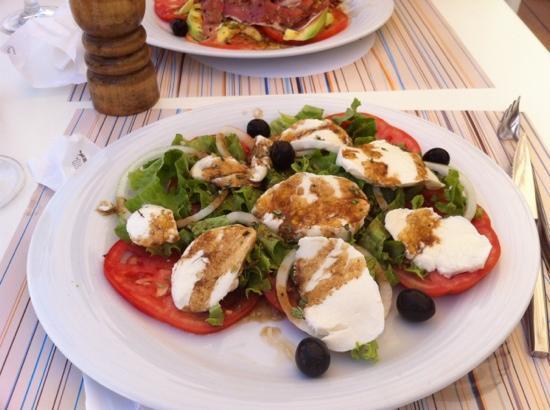 Pizzeria Fratelli : salad at fratellis