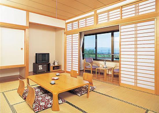 La france onsenkan hotel yurara shiwa cho japan for Hotel francs japan