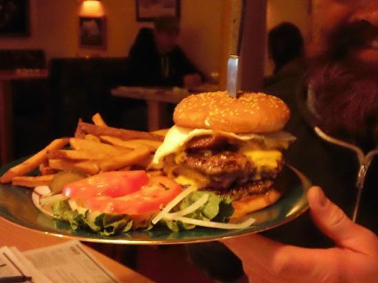 Storm Castle Cafe: Storm Castle Specialty Burgers