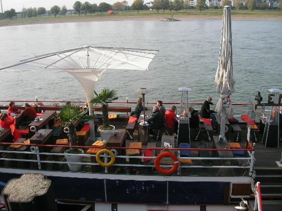 Rheinuferpromenade: Promenade