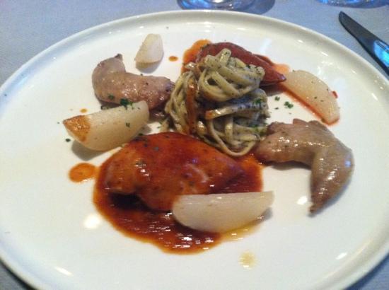 Restaurant Pakhoes: quail in honey BB Q sauce