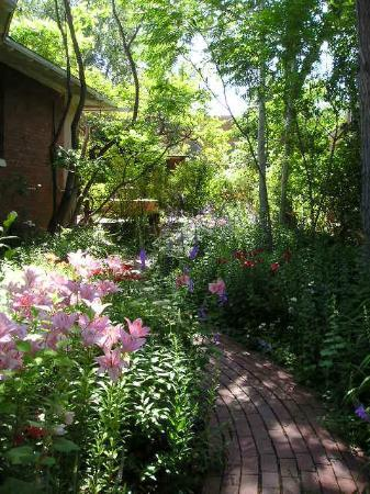 Don Gaspar Inn: Pathway through the Courtyard Gardens