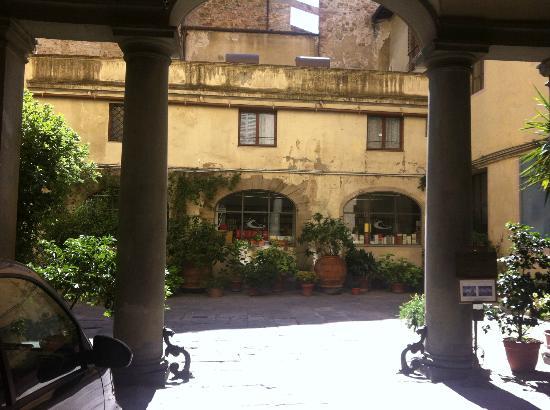 Palazzo Niccolini al Duomo: Courtyard