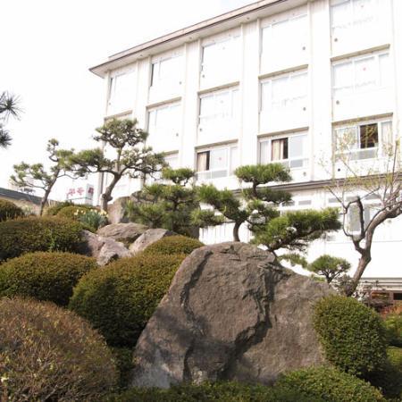 Hotel Heian: 外観写真