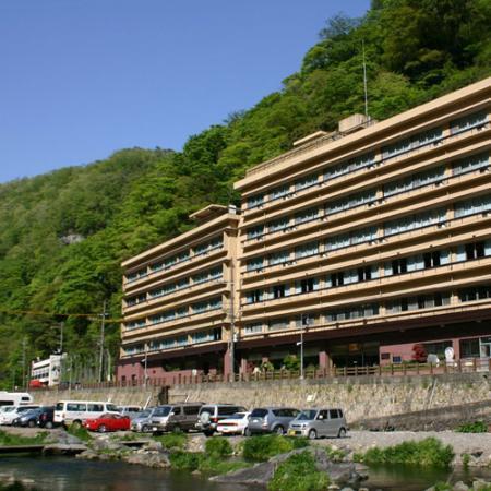 Yubara Kokusai Kanko Hotel Kikunoyu : 外観写真