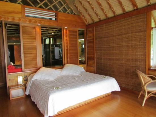 Bora Bora Pearl Beach Resort & Spa: chambre bungalow overwater
