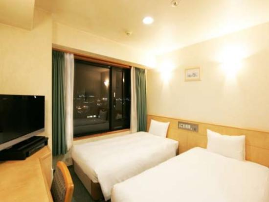 Kumamoto Kenchomae Green Hotel