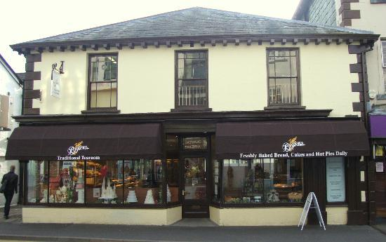 Bryson's Tea Room & Craft Bakery: Bowness Shop and Tearomm