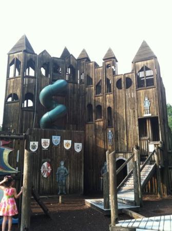 Kids Castle: 横から見たお城