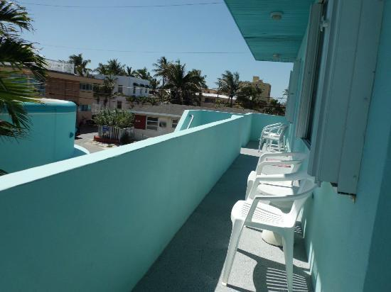 The Marlin Beachside Hotel: Windswept views and breezes off of the Ocean