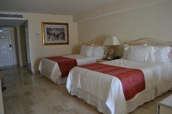 Grand Fiesta Americana Coral Beach Cancun: Nuestra recamara