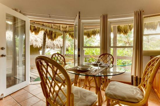 Xanadu Island Resort: Dining Area with large panoramic views