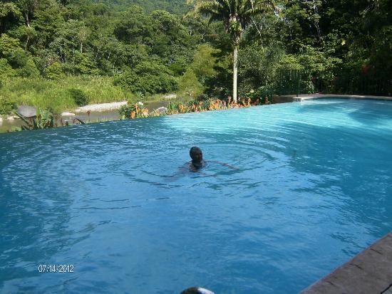 Villas Pico Bonito: A lovely pool - opened all day all night