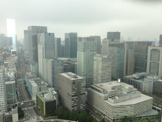 マンダリン オリエンタル 東京, westside view from Dynasty suite, Tokyo station and Marunouchi business center bills.