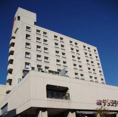 Hotel Crown Hills Yamagata : 外観写真