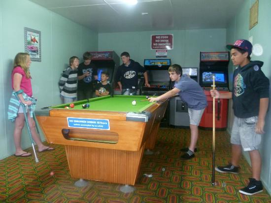 Cosy Corner Holiday Park: Games room