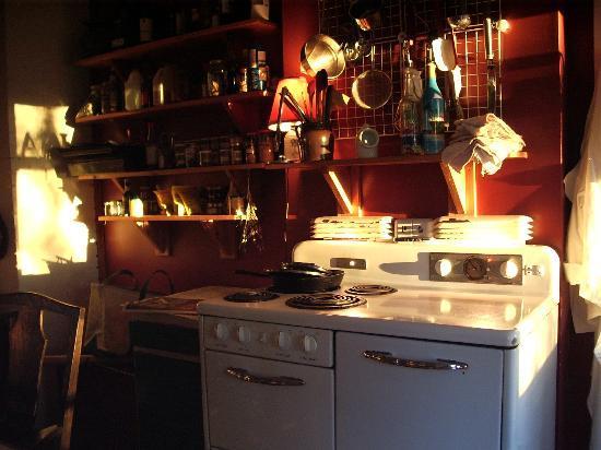 Mecklenburgh Inn: kitchen