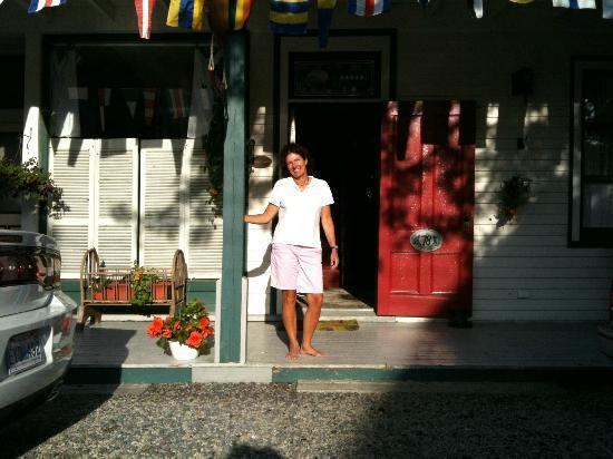 Mecklenburgh Inn: innkeeper