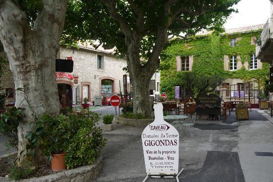 La Bastide de Boulbon: Town of Gigondas