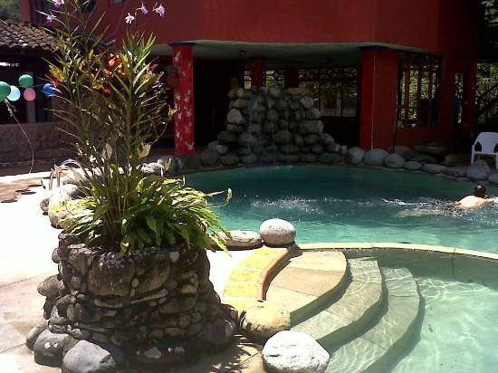 Miramelindo Spa Hotel: Piscina e hidromasaje