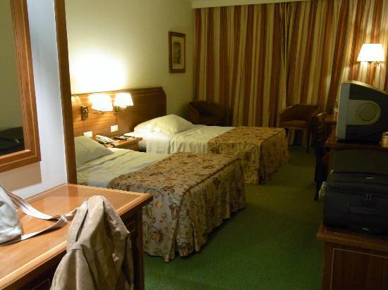 Zimmer bild von hotel real parque lissabon tripadvisor - Hotel parque real ...