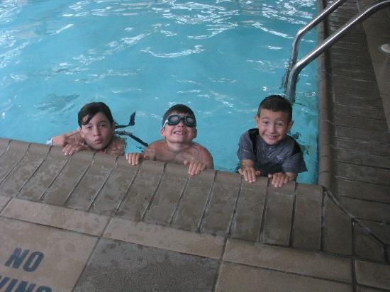 RIT Inn & Conference Center: Loving the pool!
