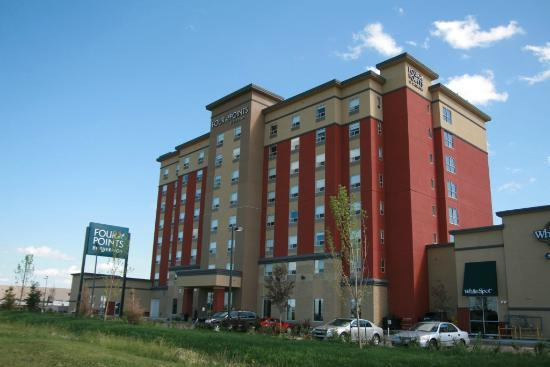 Four Points by Sheraton Edmonton Gateway: Outside