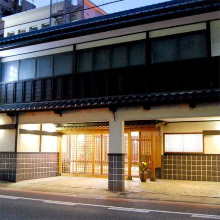 Shinhama ryokan: 外観写真
