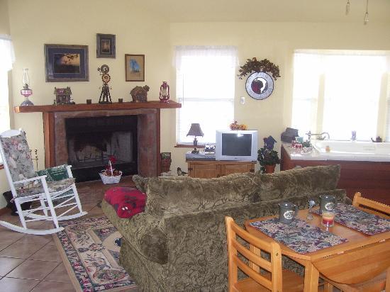 Foster, OK: Living area