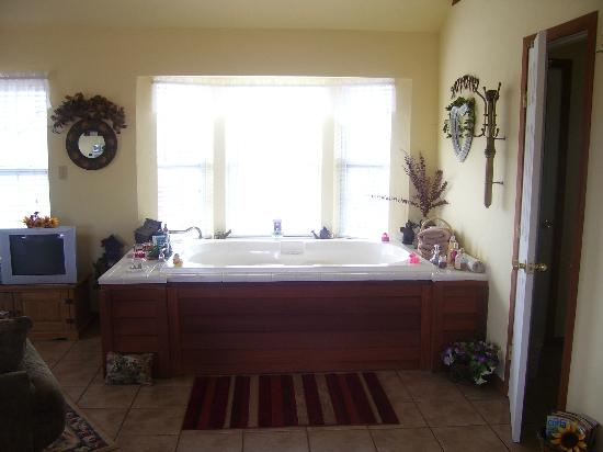 Foster, OK: Two person soaker tub