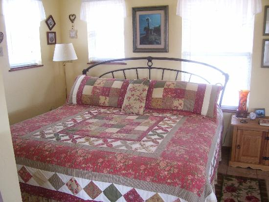 Foster, OK: King Bed