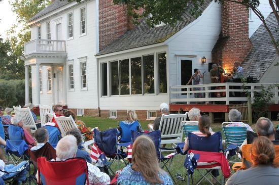 ‪‪The Woodlawn Historic B&B‬: Summer concert‬