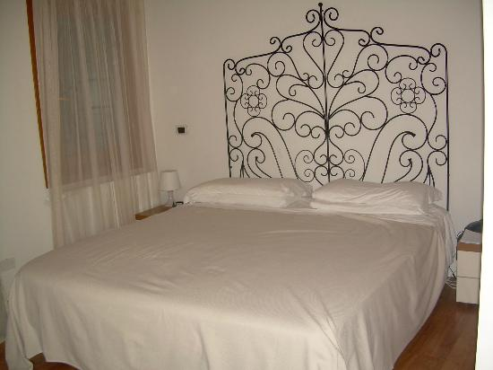 Hotel Antigo Trovatore: Quarto 1