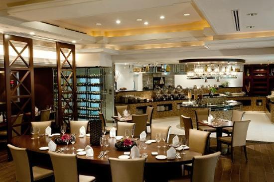 """โรงแรมไบรท์ตัน เกียวโต: Terrace Restaurant """"Feerie"""""""