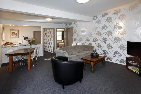 Casino Court Motor Lodge: two bedroom unit