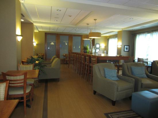 Hampton Inn Nashua: Breakfast Area