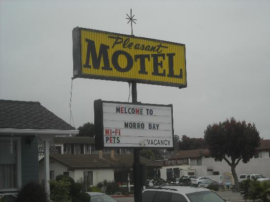 Pleasant Inn: Motel sign