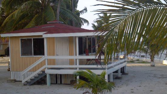 Blue Marlin Beach Resort: Our cabin