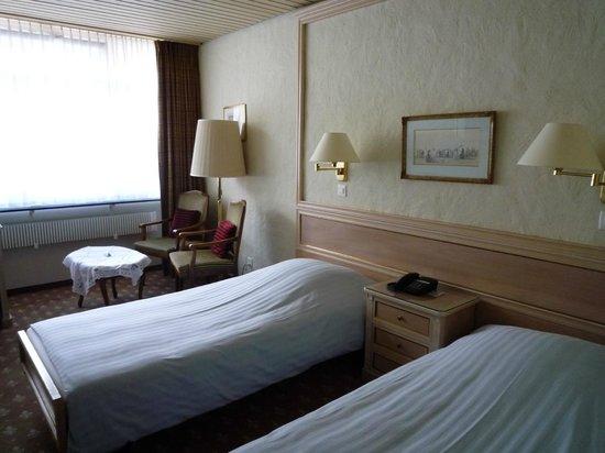 Hotel Kreuz & Post: ベット