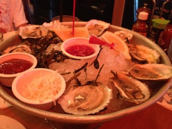 King's Fish House : oyster sampler- 9 types