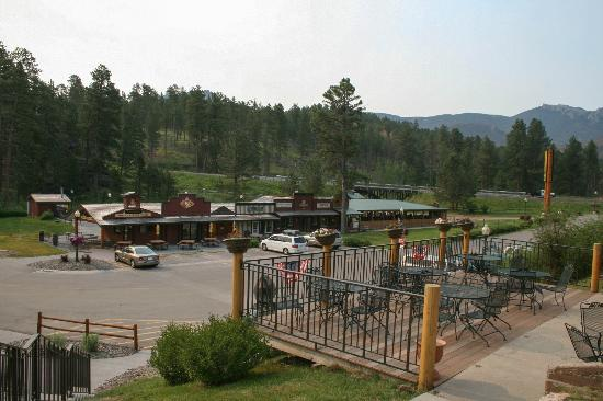 Mount Rushmore / Hill City KOA: Campground Village at KOA Palmer Gulch