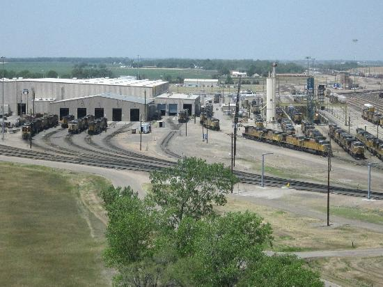 Union Pacific Railroad Bailey Yard: Trains everywhere!!!